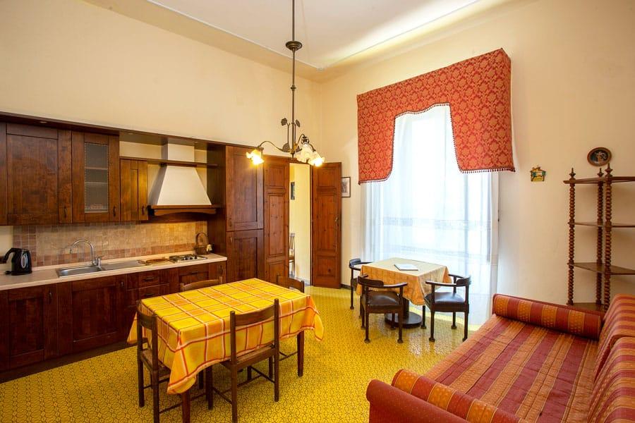 Divano Angolare Offerte Toscana.Appartamenti Bilocali Per Vacanze In Toscana Al Mare Villa Elena